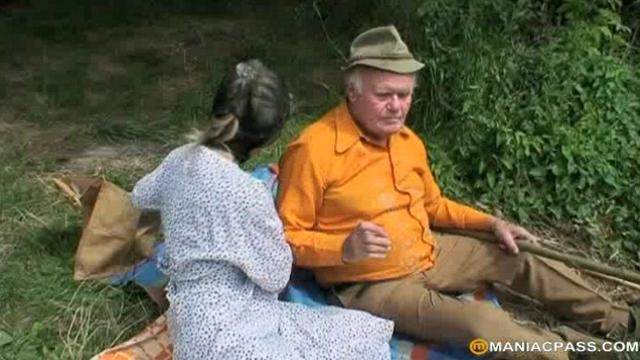 Old pervs Sex Picnic With Teeny|25 мин.