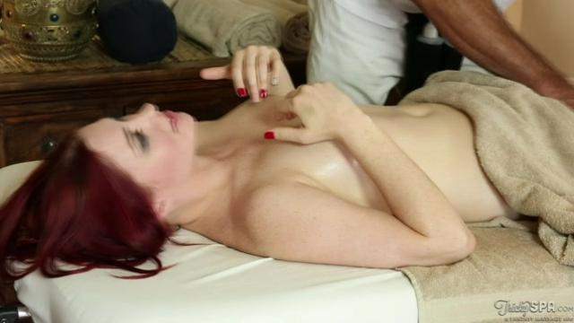 Freckled Redhead Babe Pussy Fucked By Masseur Xnxx