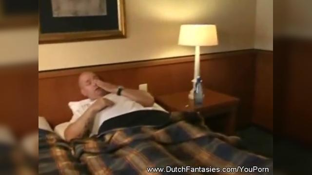 YouPorn - Dutch Maid Service In Holland|6 мин.