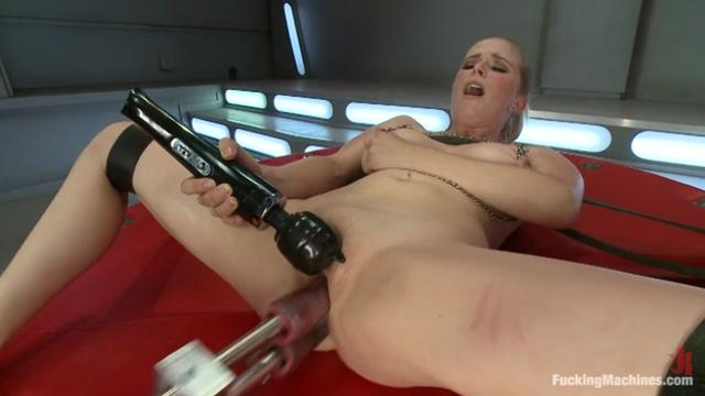 Penny Pax Penetrated By Fucking Machines|30 мин.