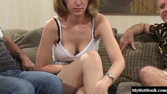 Blonde 19 year old, Janie Lynn, agrees to suck and fuck with a 39 мин.