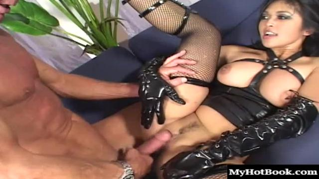 We could really feel the love today as Mika Tan got all hot 39 мин.