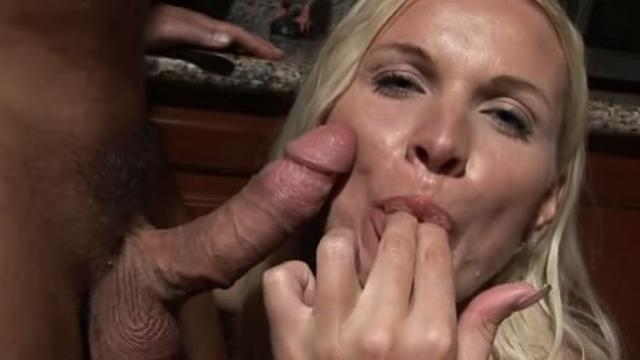 Winnie Mother And Daughter Anal Vacation Scene
