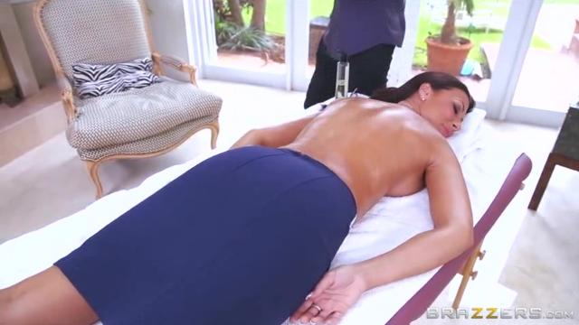 Rubbing Down a Horny Slut 3